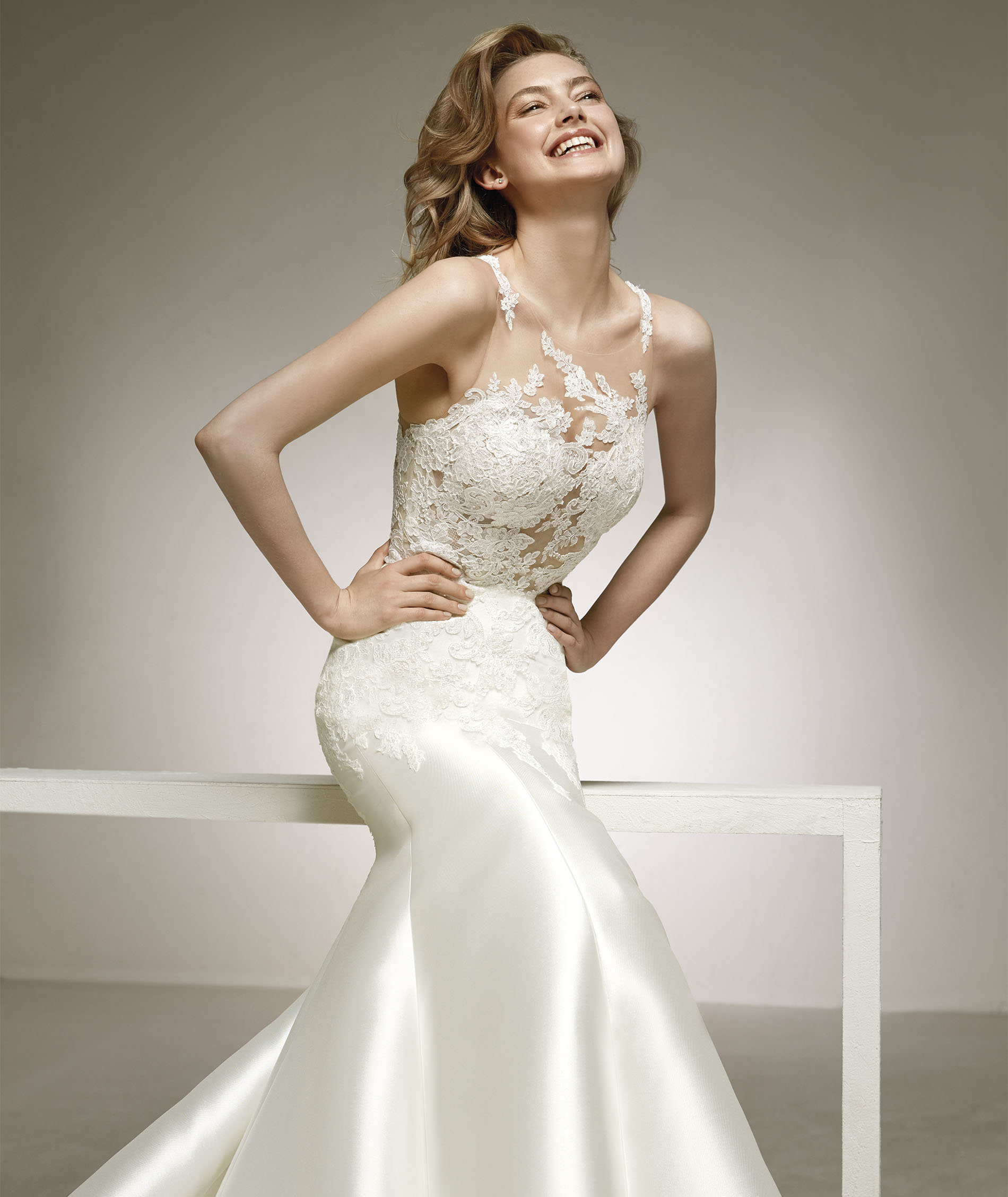 Pronovias | Wedding Dresses & Gowns