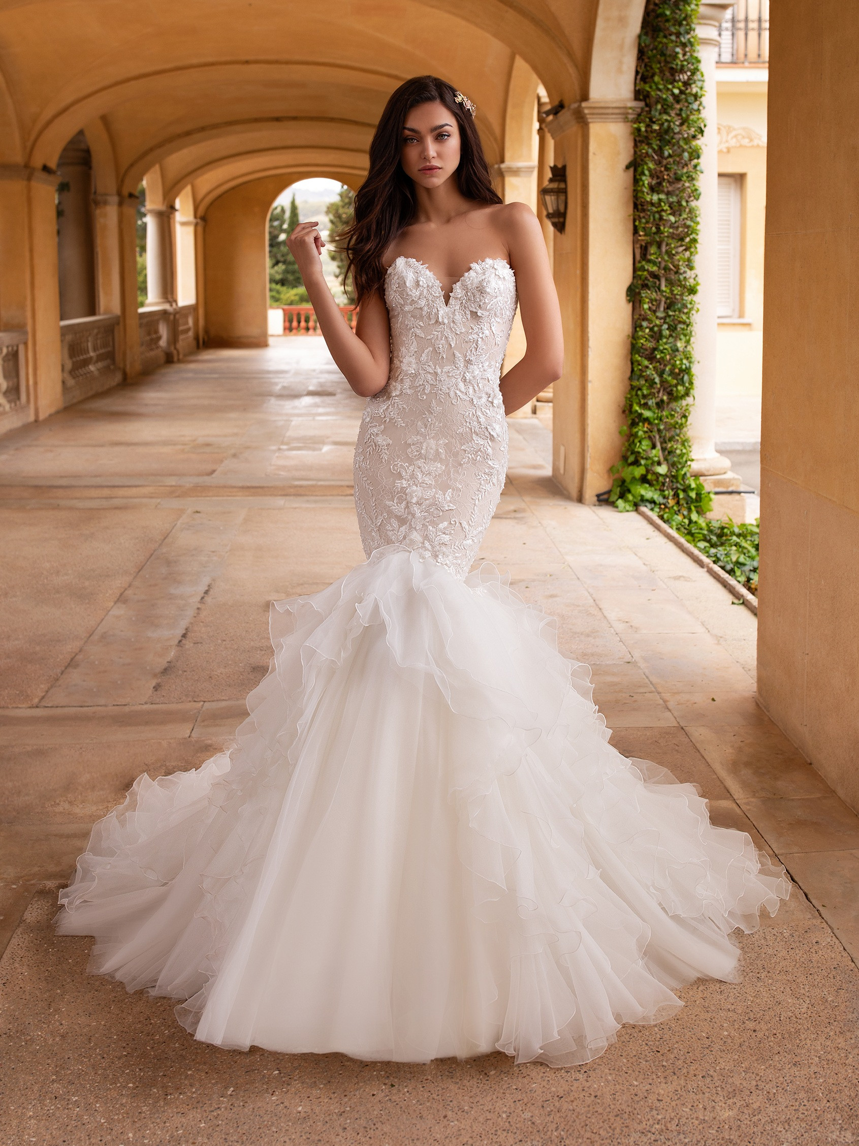 front wedding dress mermaid silhouette sweetheart neckline open back embroidered tulle fabric callisto
