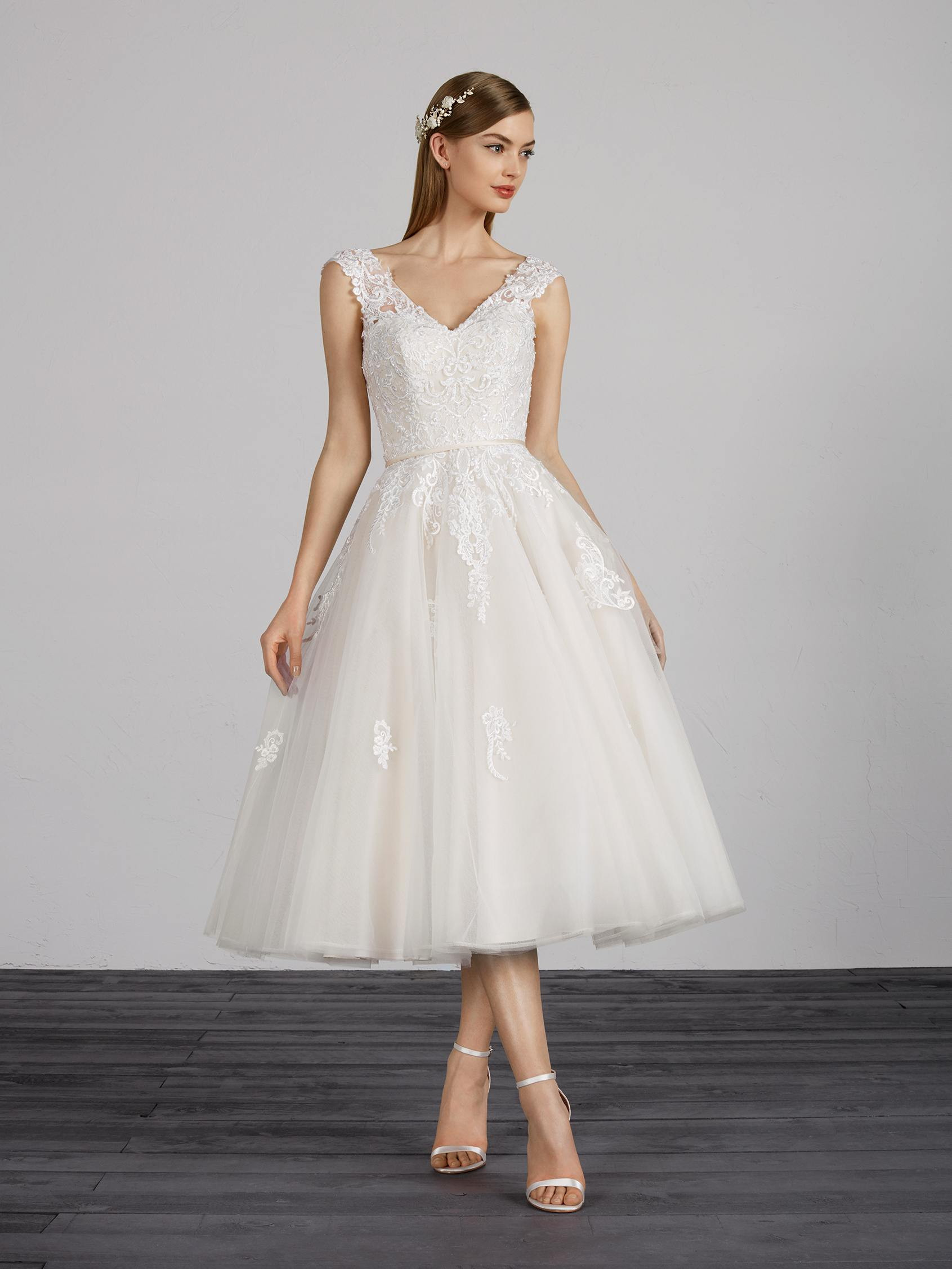 Weddingdressshortfullskirt: Short Full Skirt Wedding Dress At Reisefeber.org