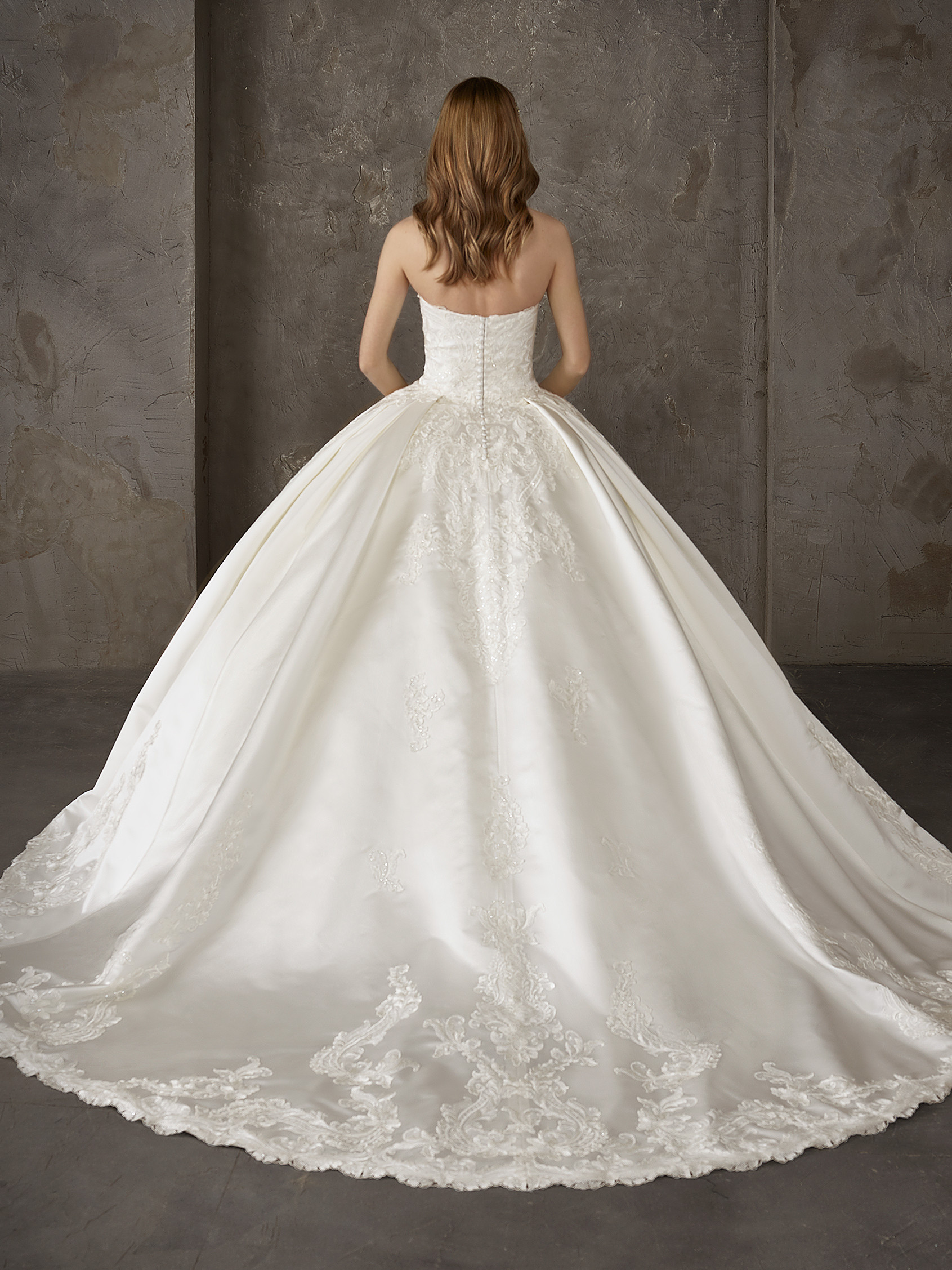 Sophisticated Princess Wedding Dress With Flowers And Beading
