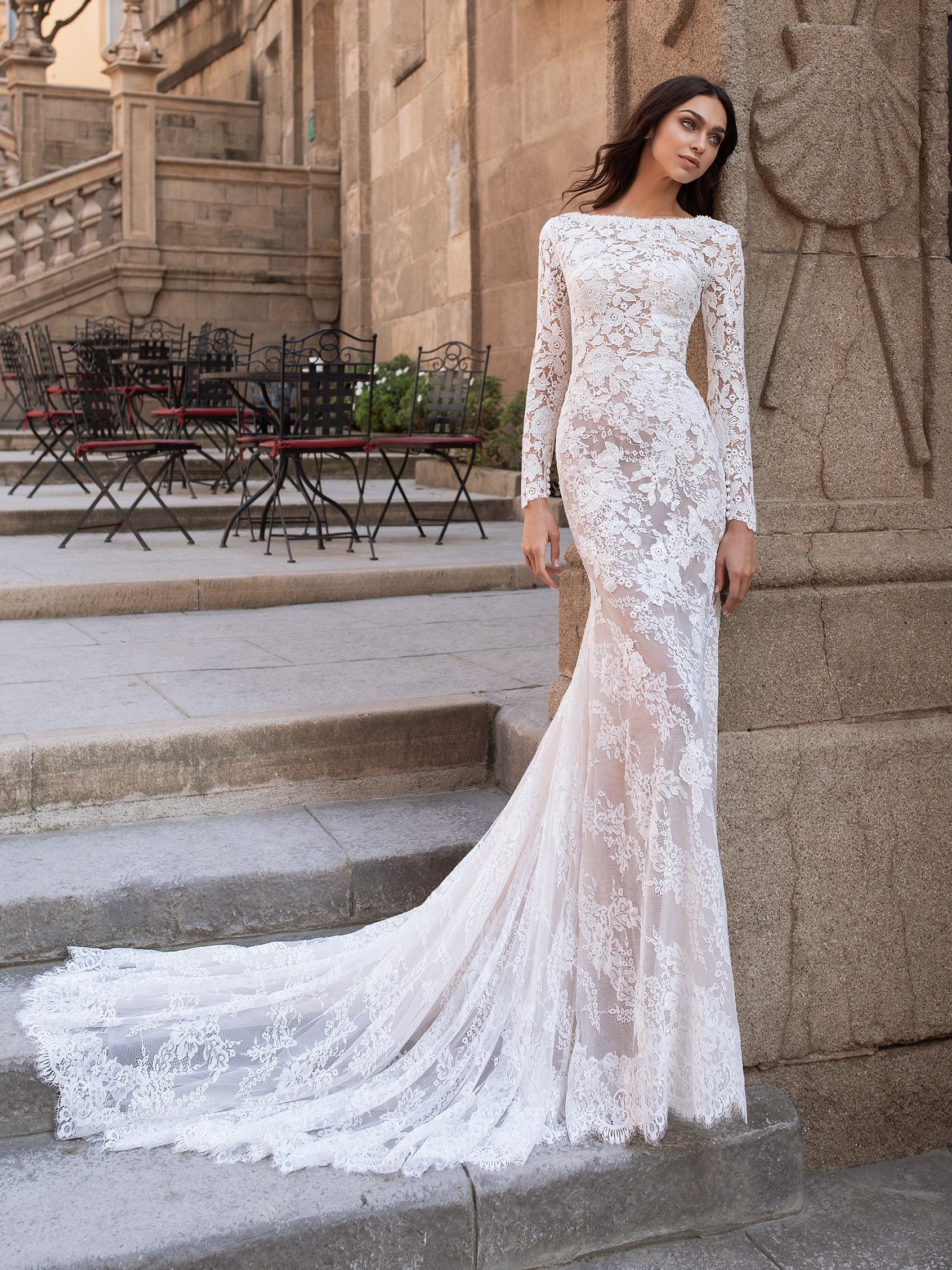 Wedding Dress With Open Back And Long Sleeves Pronovias