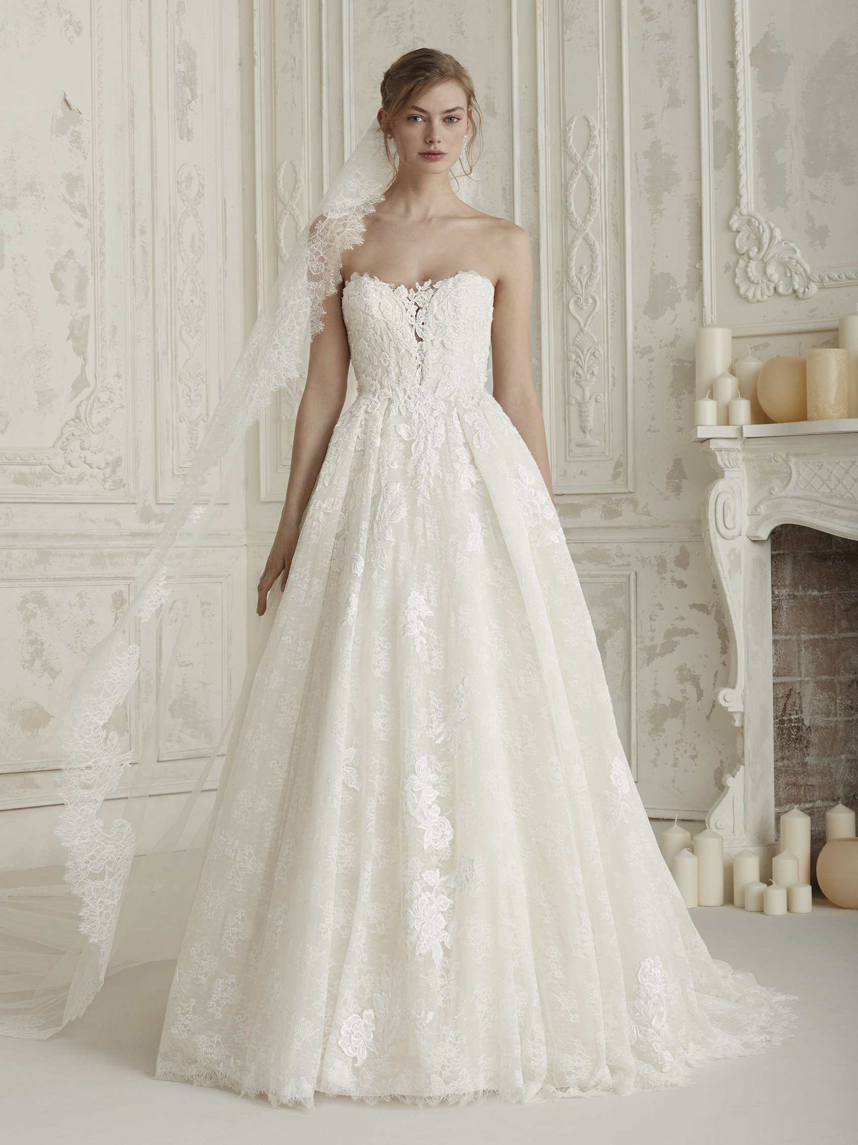 Princess wedding dress with sparkling beading ELBIA | Pronovias