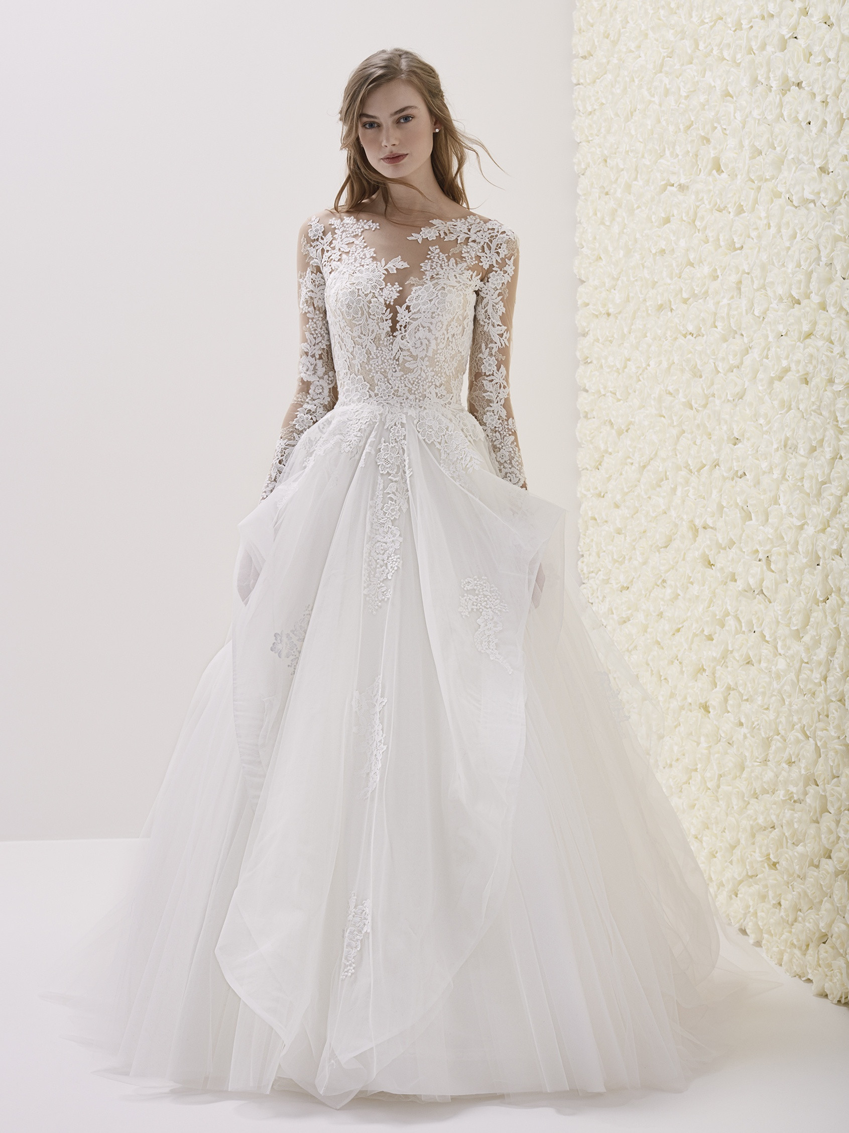 Novia D'art Wedding Dresses