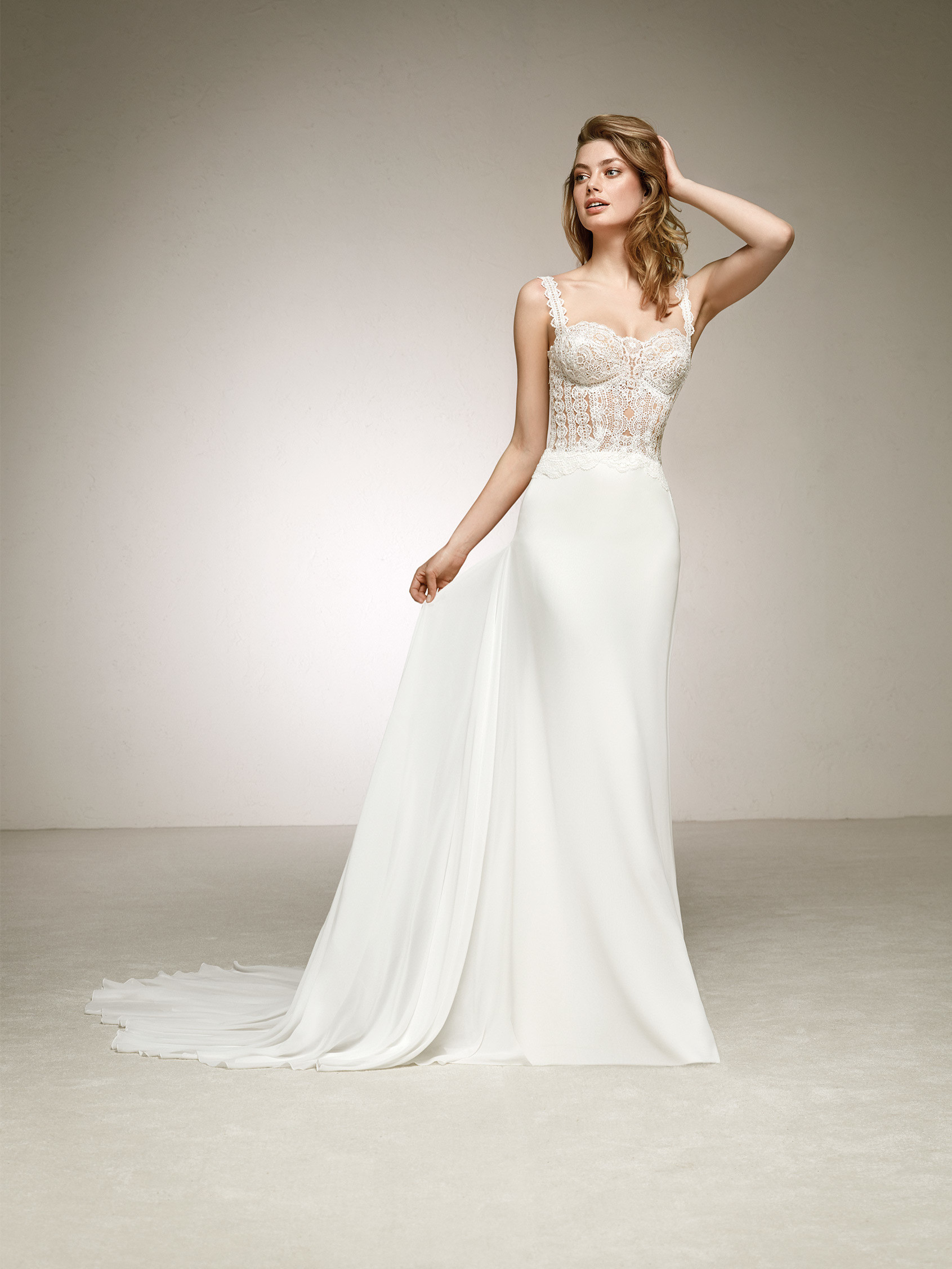 Romantic wedding dress with simple lines. DANESA | Pronovias 2018 ...