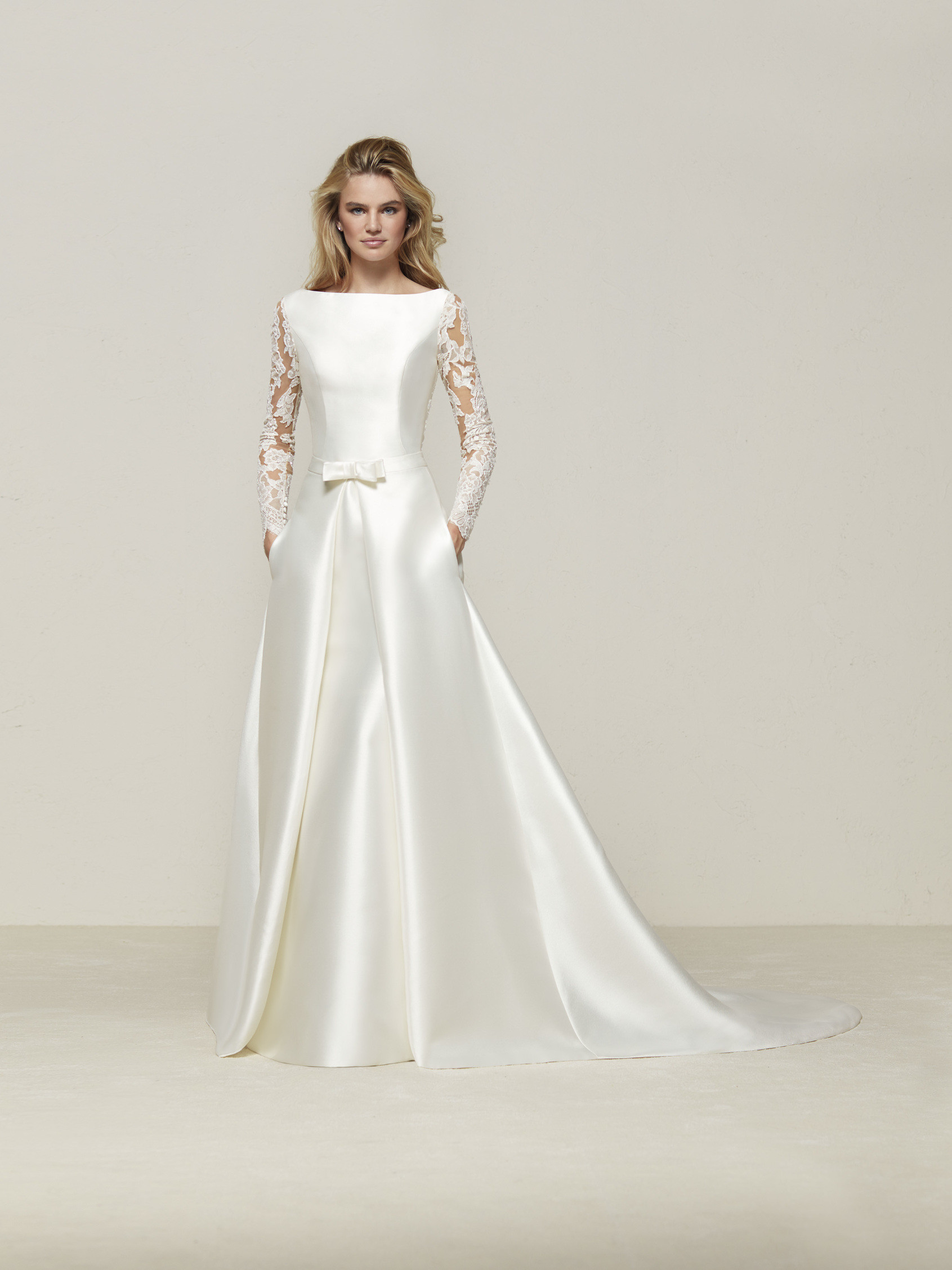 Mermaid wedding dress with long sleeves and transparent back - Drales - Pronovias