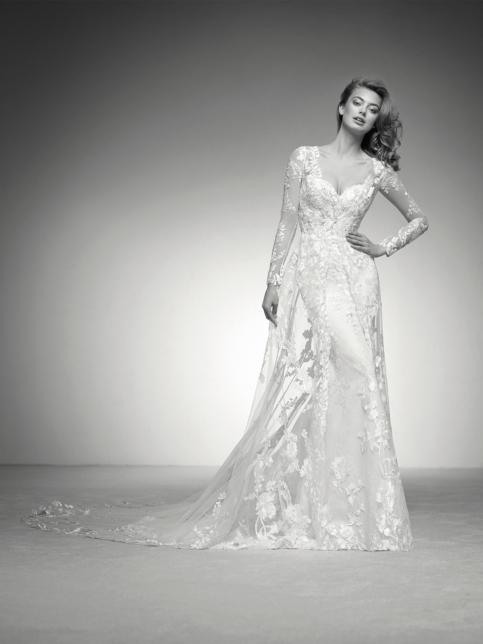 Ilma Mermaid Wedding Dress With A Tulle And Lace Coat