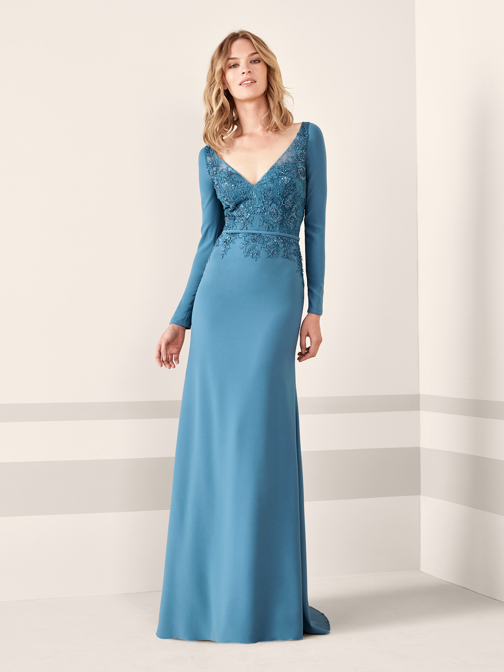 Long-sleeved cocktail dress in crepe and lace JANSI   Pronovias