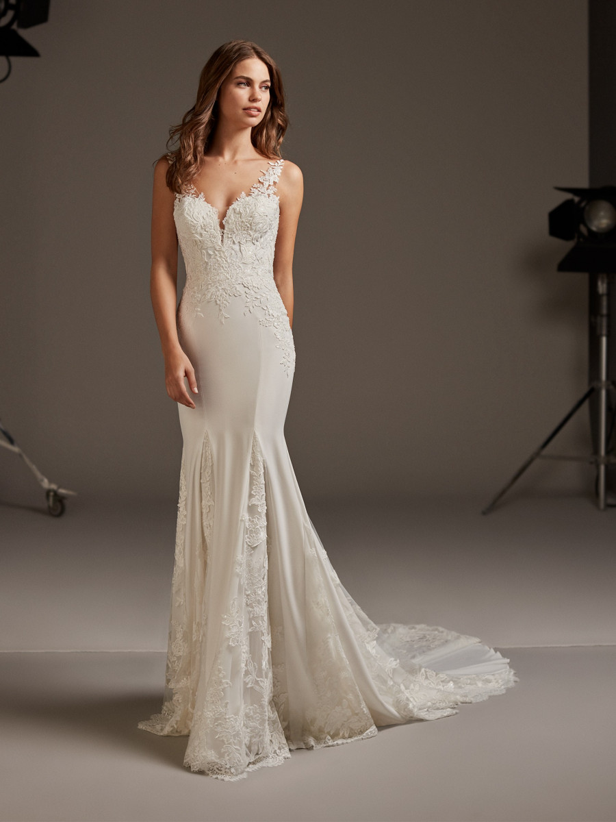 e87d6a3d891 Bridal Dresses   Bridal Gowns - Pronovias