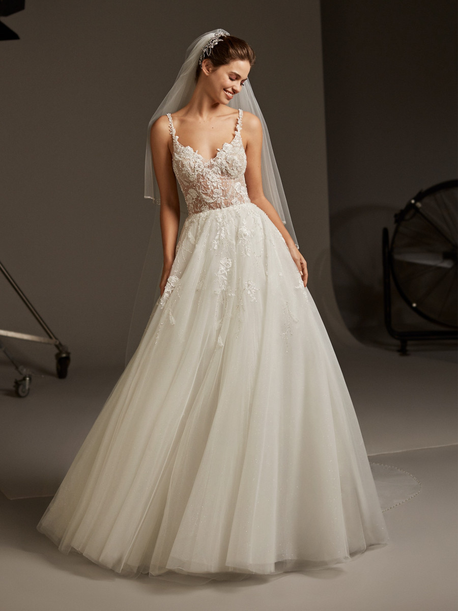 f61468b911f Soft tulle princess wedding dress with V back