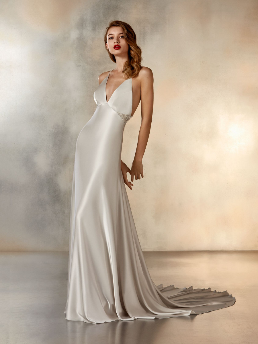03b65a62 Satin sheath wedding dress with V neck | Pronovias
