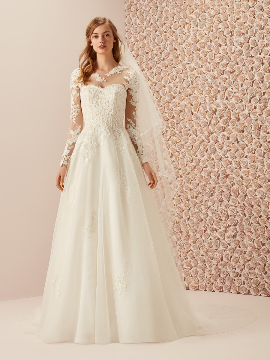 bae28770bd9f romantic wedding dress princess with sweetheart neckline