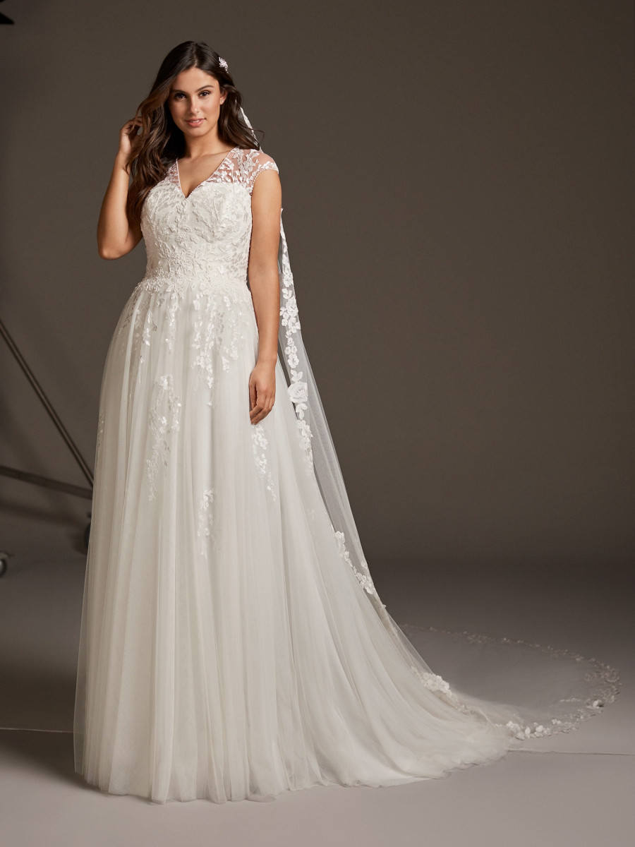 Plus Size Wedding Dresses Pronovias