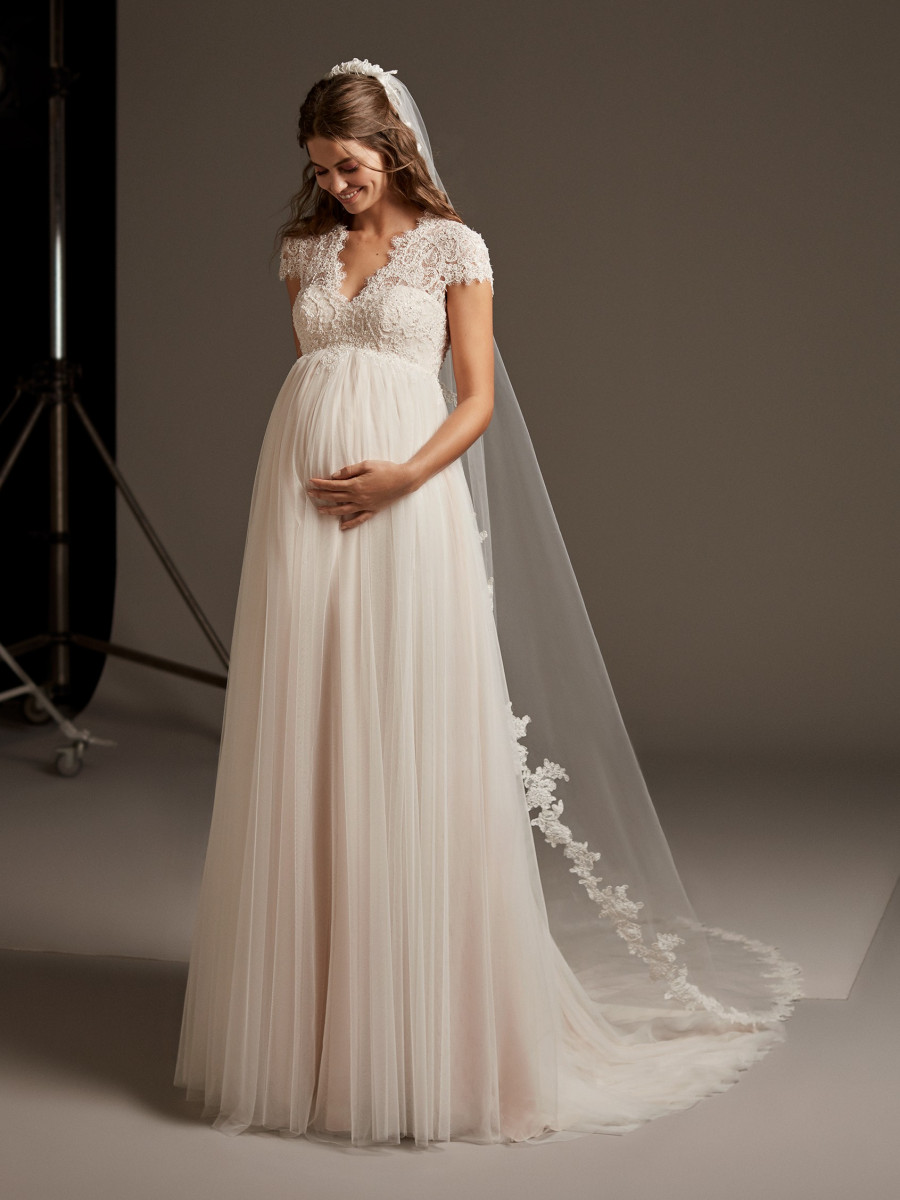 c590b62f773 Maternity Wedding Dresses   Bridal Gowns - Pronovias