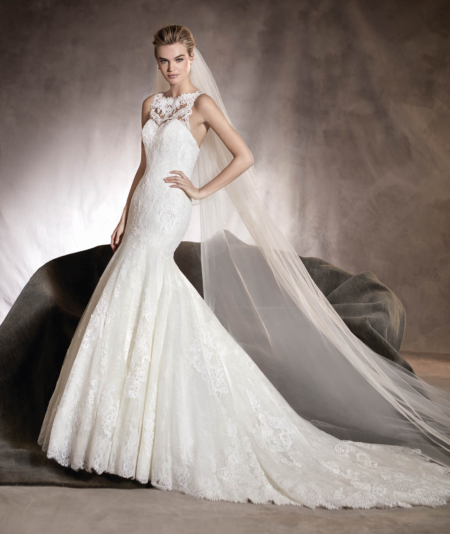 ALEXIA - Tulle and lace mermaid wedding dress with a sweetheart neckline