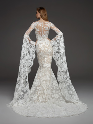 Wedding dress with medieval-style sleeves | Pronovias