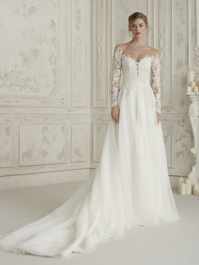 523f38de664 Evasé wedding dress with tattoo-effect sleeves ELISEA