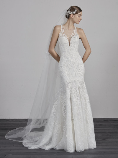 Mermaid Wedding Dress In Lace With Halter Neckline Erial